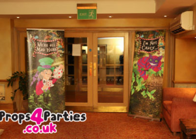 alice-in-wonderland-party-decorations-6